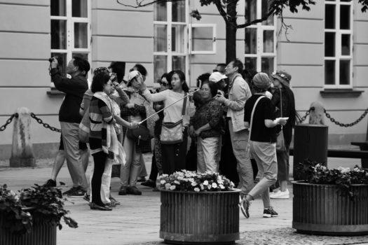 """Wystawa """"Polonijni artyści i społecznicy z USA Ryszard Druch i Grzegorz Gustaw wystawa rysunku, grafiki, malarstwa, rzeźby"""" w Muzeum Uniwersytetu Opolskiego, 29.11.2017"""